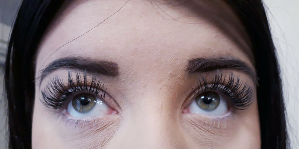 lash-extensions-at-rosscos-hair-salon